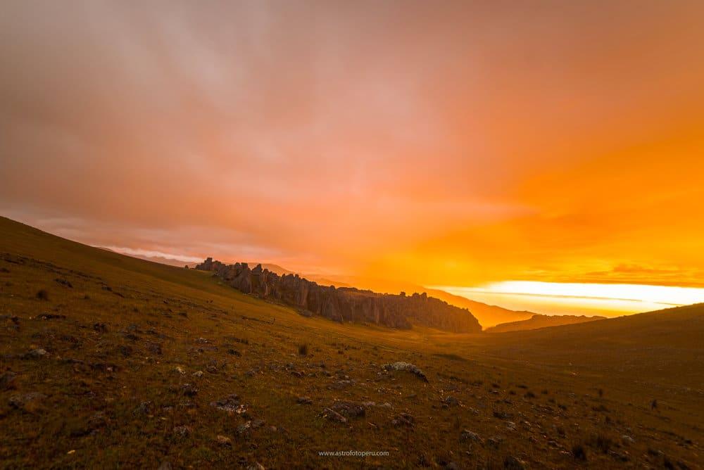 Puesta de sol en Hatun Machay por Guillermo Spiers