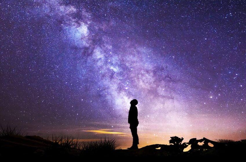 Estamos más cerca del centro galáctico y viajamos más rápido de lo que sabíamos.
